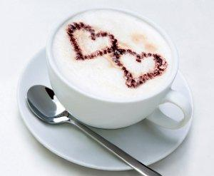 Hearts in the foam on a latte