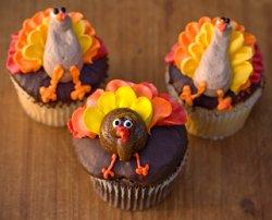 Try turkey cupcakes for a Thanksgiving wedding. & Fall Wedding Cupcakes