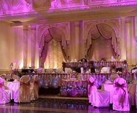 Easy and cheap wedding reception decorations lovetoknow for Cheap and easy wedding decorations