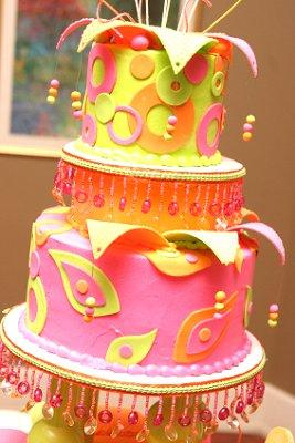 crazy wedding cake gallery of wedding cakes lovetoknow 13041