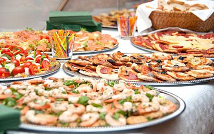 Finger foods for a wedding reception lovetoknow for Fish buffet near me