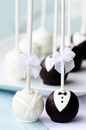 Bride And Groom Chocolate Cake Pop Favors