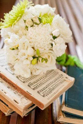 bouquet on hymnal