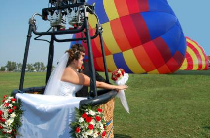 hot air balloon couple