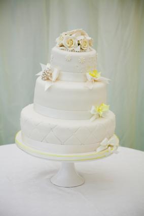 Quilting on wedding cake