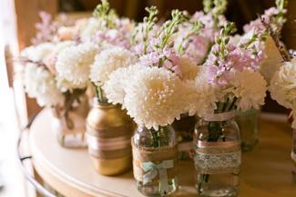 white dahlia mason jar centerpieces