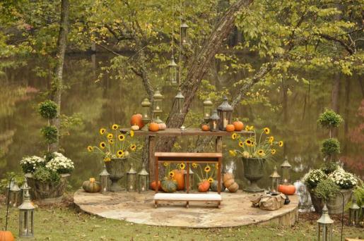 pumpkin weddding altar from AldasMagnoliaHill.com