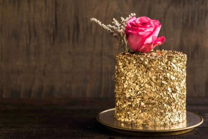 Edible gold cake favors