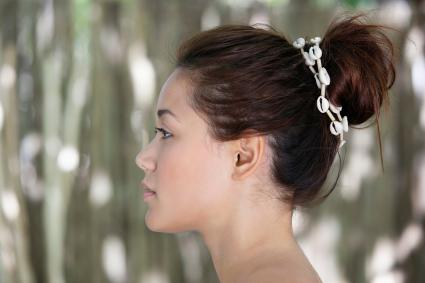 Hairdos With Seashell Strands