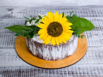 Rustic small sunflower cake