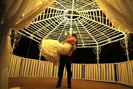 couple dancing in gazebo