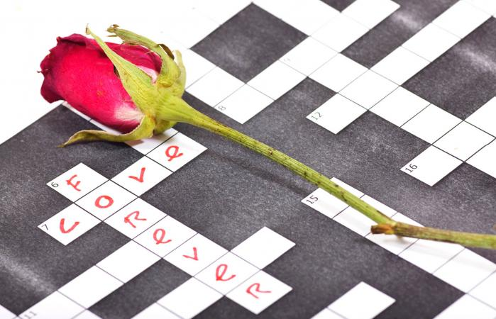 love crossword game