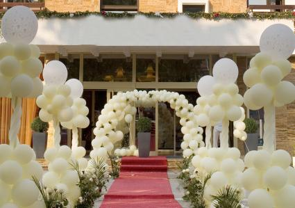 traditional balloon wedding entrance arch