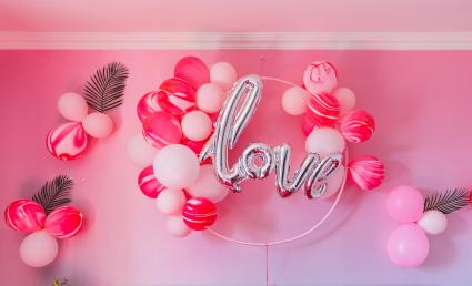 Love balloon wall decoration for wedding