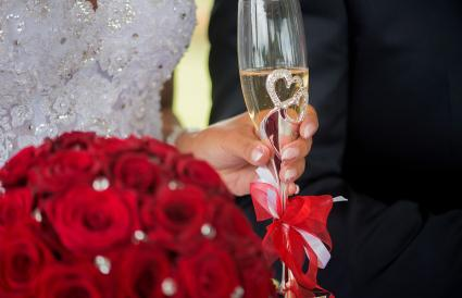 Bow on champagne glass