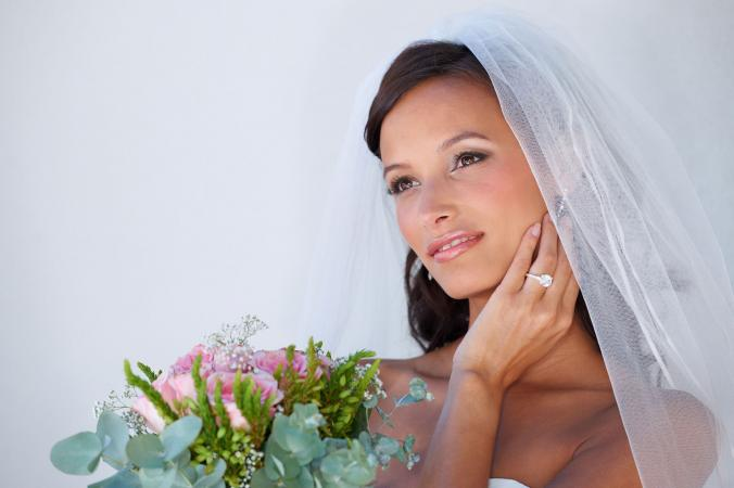 Bride wearing a wedding veil