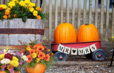 fall red wagon wedding decoration