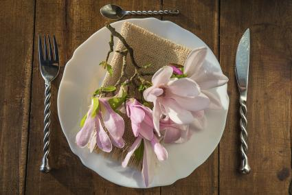 magnolia place setting