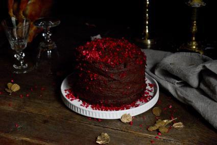 Black raspberry wedding cake