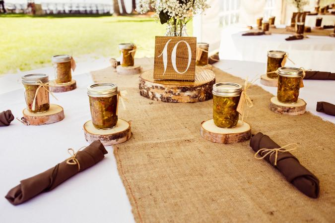 country table setting with mason jar favors