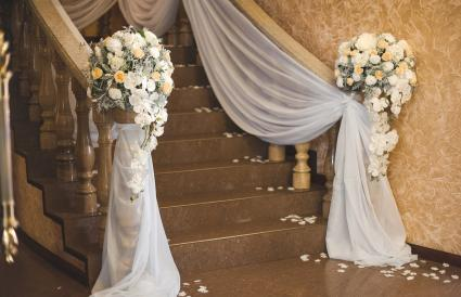 soft tulle adorn marble steps