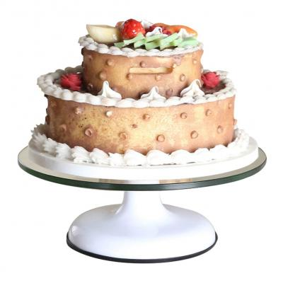 Guide To Wedding Cake Stands Lovetoknow