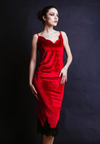 Woman with red velvet dress