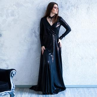 Black long-sleeved wedding dress
