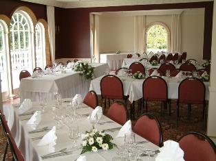 Choosing_a_wedding_reception_hall.jpg