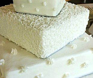 3-tier fondant and buttercream wedding cake