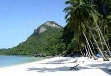 White sand beach in Samui