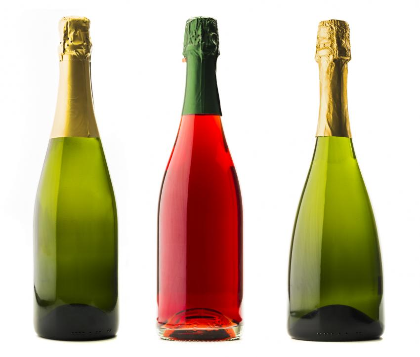 https://cf.ltkcdn.net/wine/images/slide/250472-850x723-three-Champagne-bottles.jpg
