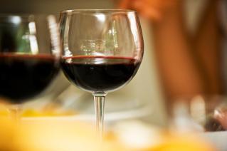 Benefits and Drawbacks of Mini Wine Bottles