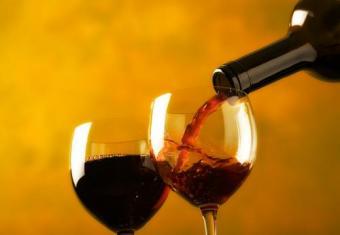https://cf.ltkcdn.net/wine/images/slide/112385-500x346-Red-Varietals-Slide.jpg