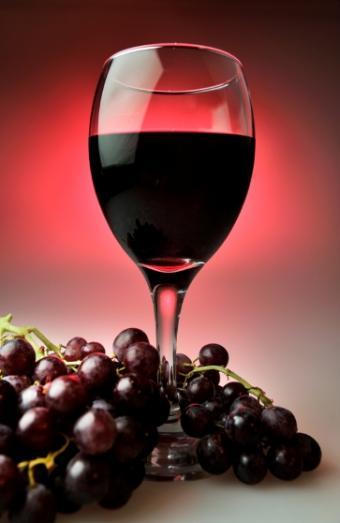 https://cf.ltkcdn.net/wine/images/slide/112418-363x558-Beaujolais-0623.jpg