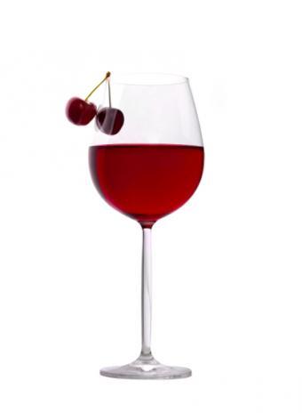 https://cf.ltkcdn.net/wine/images/slide/112420-415x566-Garnacha-0623.jpg