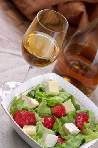 https://cf.ltkcdn.net/wine/images/slide/112429-367x553-Wine-and-Food-Slide.jpg