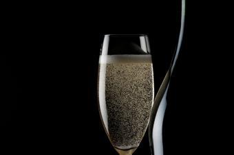 https://cf.ltkcdn.net/wine/images/slide/131101-849x565r1-Prosecco.jpg