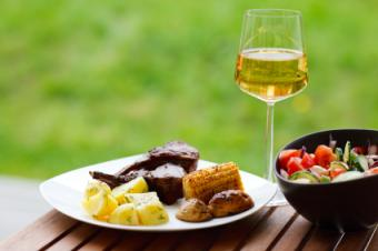 Wine wine and grilled food