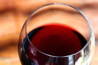 red wine serving