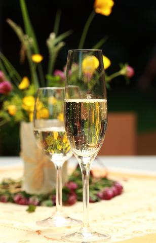 The 10 Best Sparkling Wines You'll Ever Taste