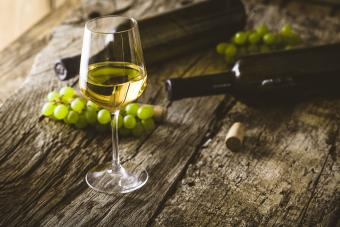 12 Types of Dry White Wine