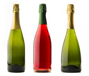 https://cf.ltkcdn.net/wine/images/slide/250472-850x723-three-Champagne-bottles.jpg
