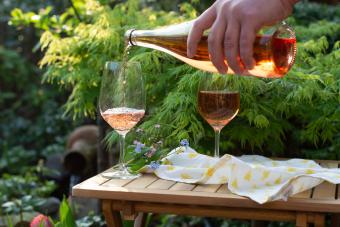 Color and Flavor of White Merlot Wines