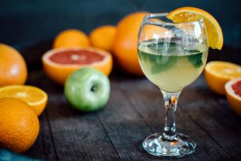 4 Delicious White Wine Sangria Recipes