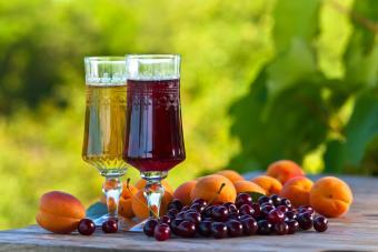 Dessert wine and fruit