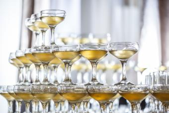 10 Great Places to Buy Bulk Champagne Glasses