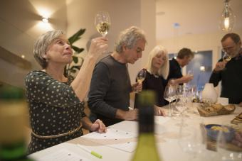 How to Host a Fun Wine Tasting Party