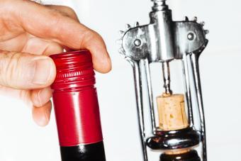 screw top and cork wine bottles