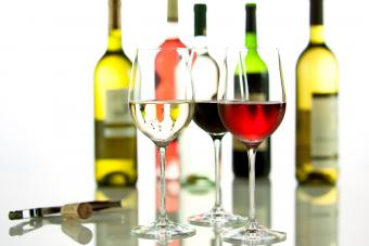Pros and Cons of Inexpensive Oak Leaf Wines